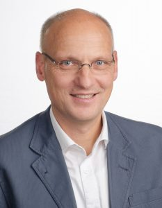 Dr. Andreas Heek